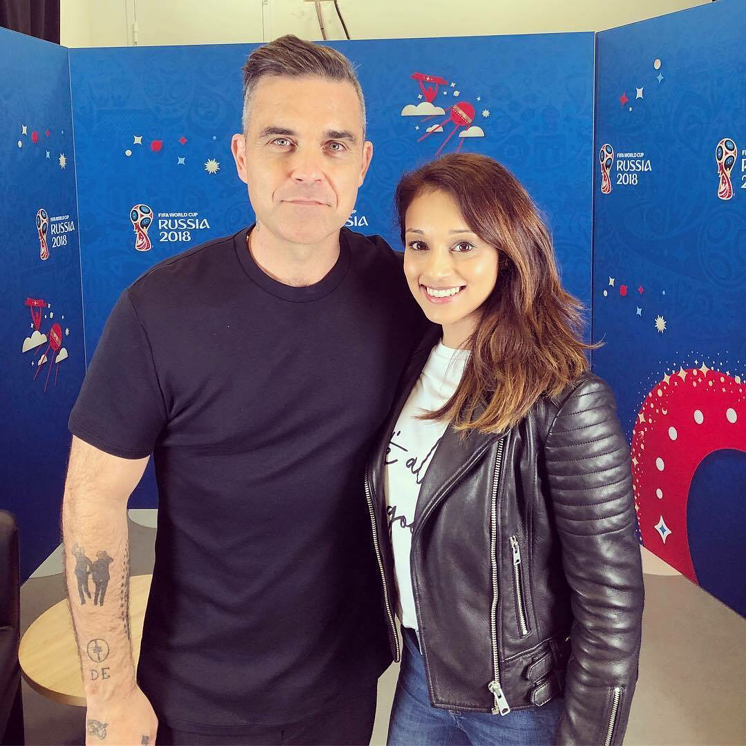 https://www.robbiewilliamslive.com/images/gallery/television/2018-06-12-interview-tass-moscou/2018-06-12-interview-tass-moscou-8.jpg